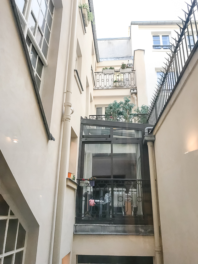'SAINT DENIS lovely large studio with mezzanines steps from Forum des Halles