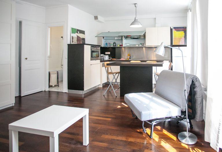 'LACHARRIERE large bright and quiet studio near Saint Amboise