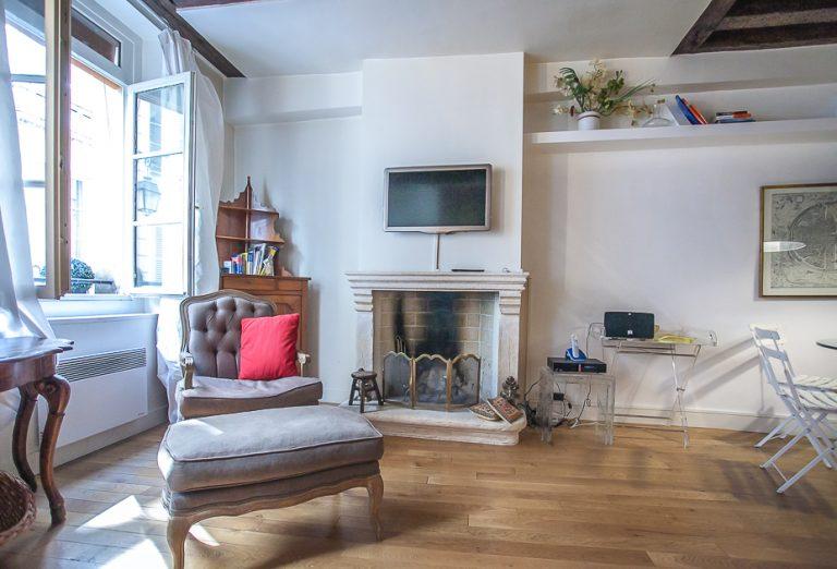 'QUINCAMPOIX 1 BEDROOM Apartment near Rambuteau