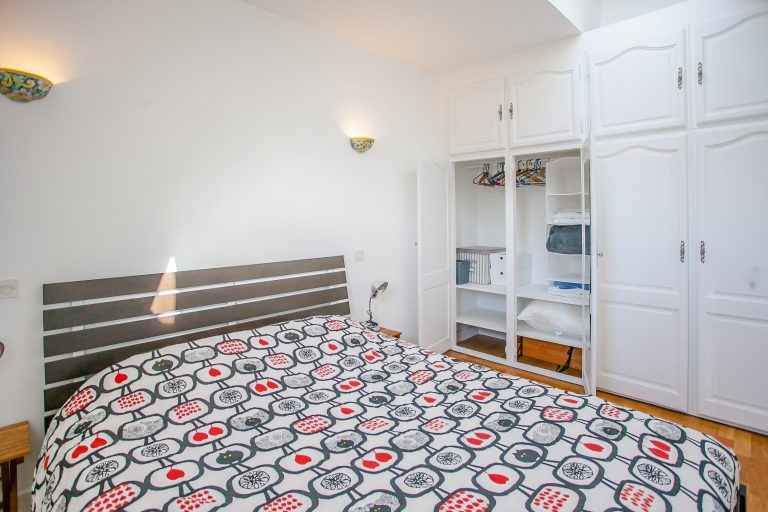 'TURBIGO lovely 1 bedroom under the roofs steps from Beaubourg