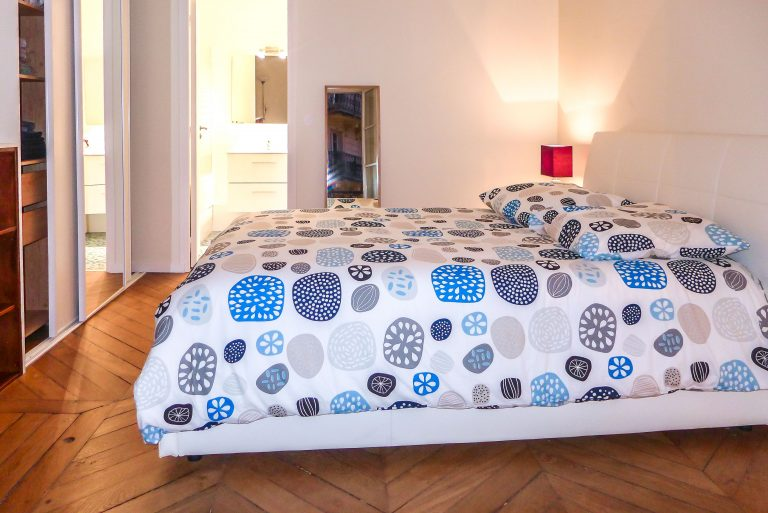 'ROCHECHOUART 1 bedroom in Montmartre district