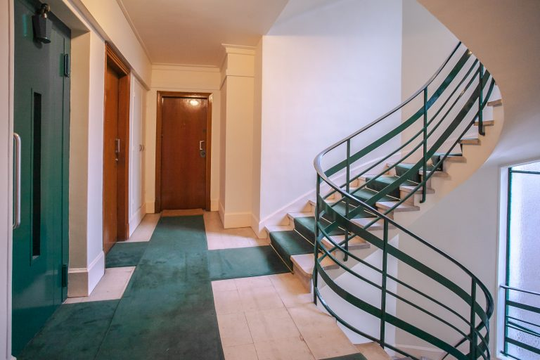 'SAINT MARC lovely 1 bedroom with balconies