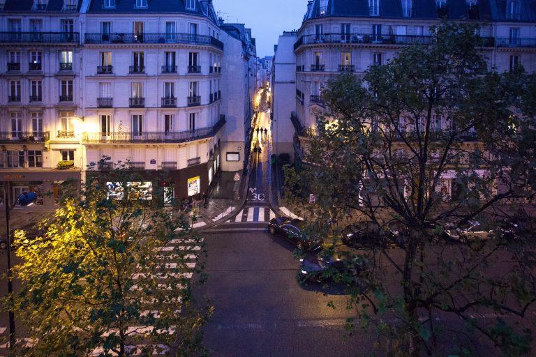 'REAUMUR 24 large studio between Republique and Le Marais with large bathtub