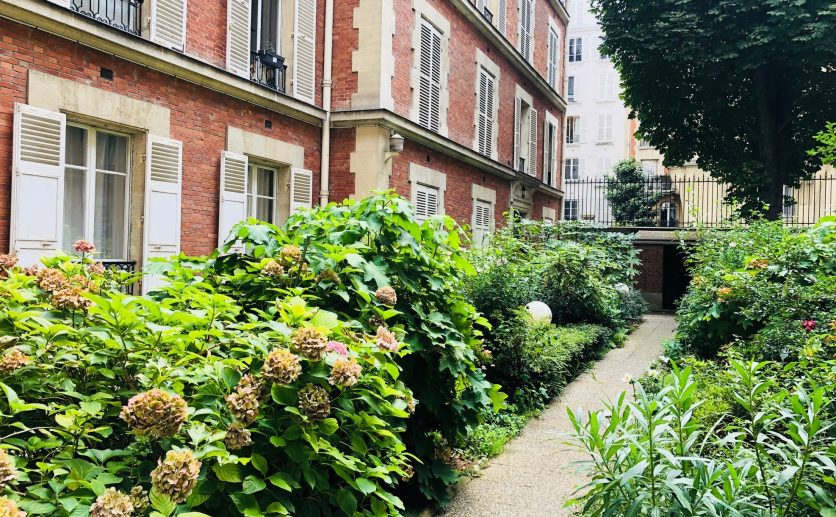 Université 2 Bedroom apartment