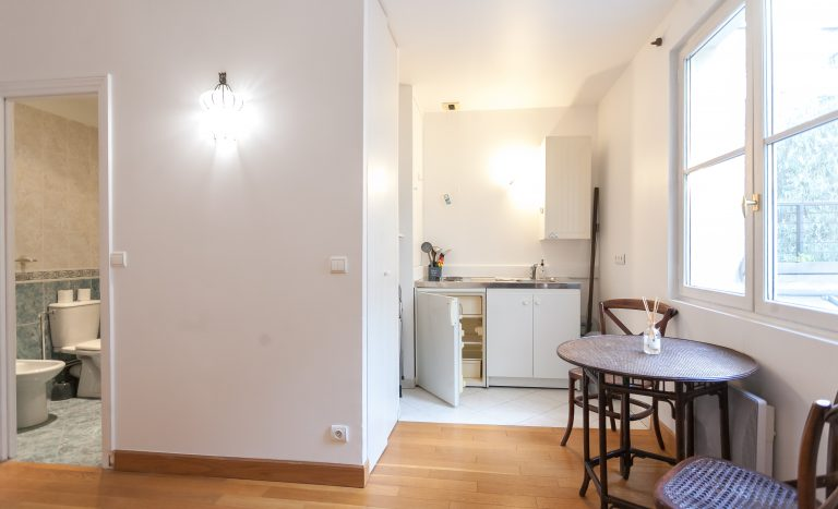 'CAPUCINES nice studio apartment